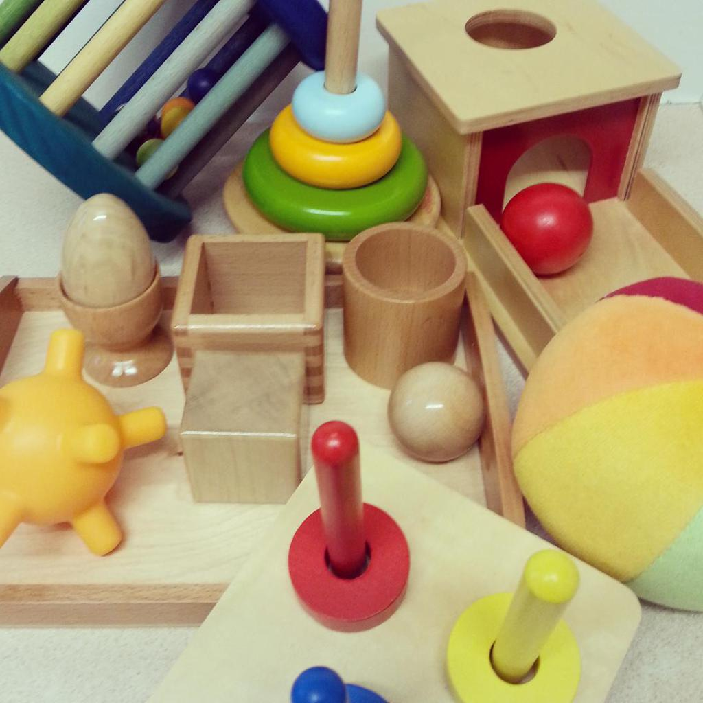 Montessori toys for 4-11 month olds